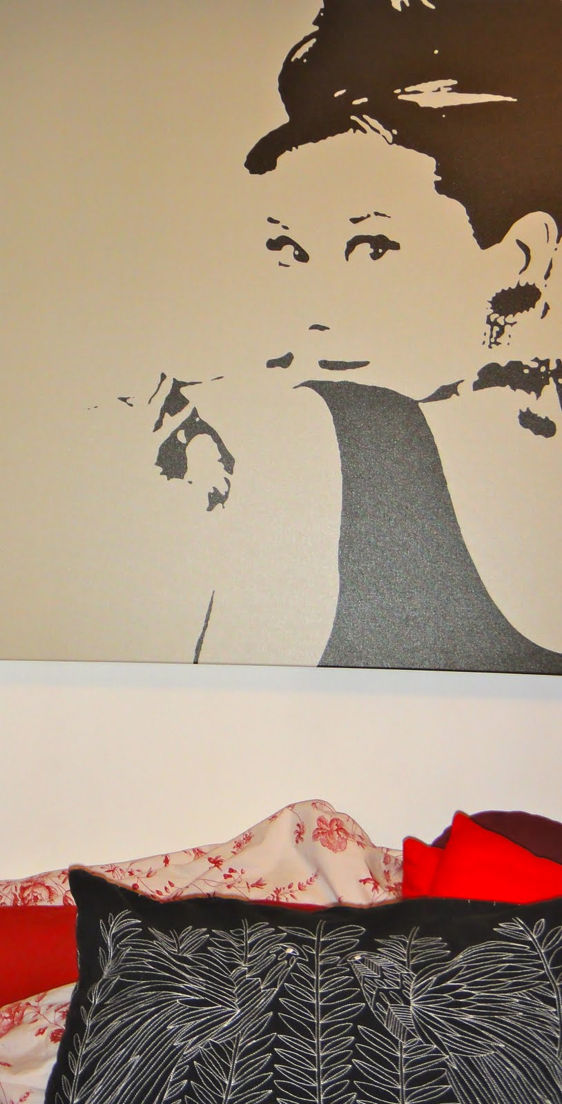 Images corals cognacs for Ikea audrey hepburn